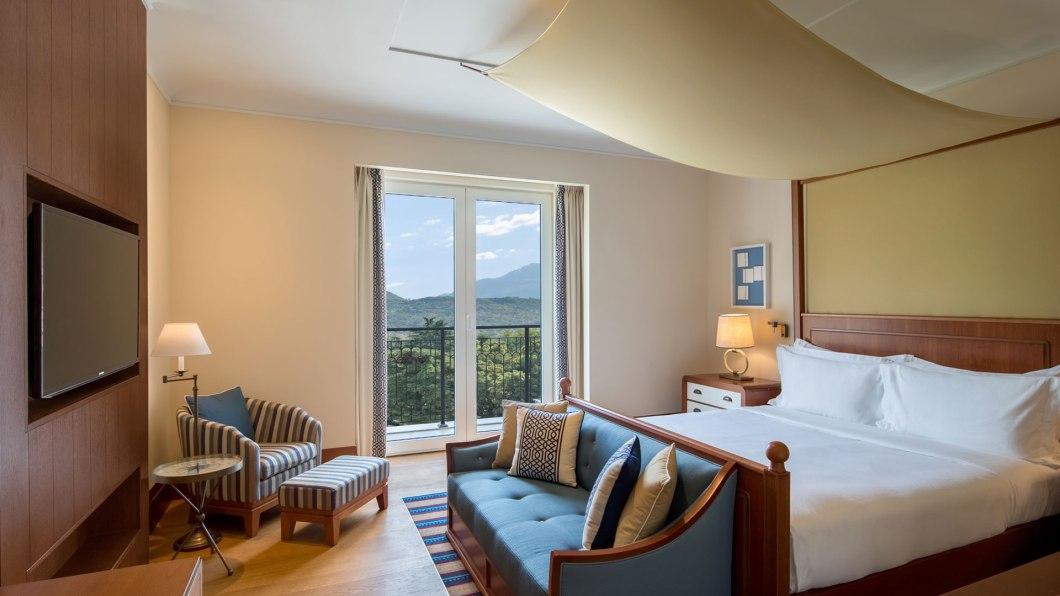 gallery-09-regent-hotel-porto-montenegro-deluxe-mountain-vie