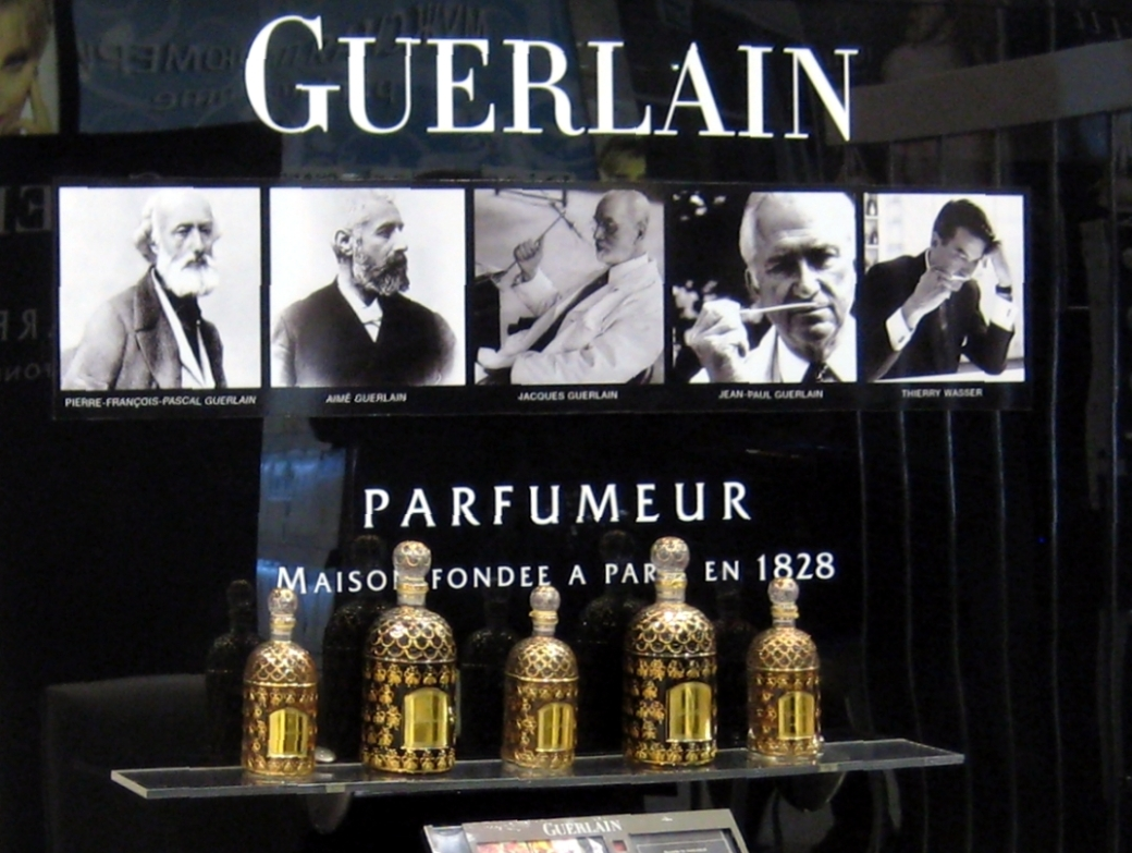 Guerlain_stand_(Moscow)_detail_by_shakko