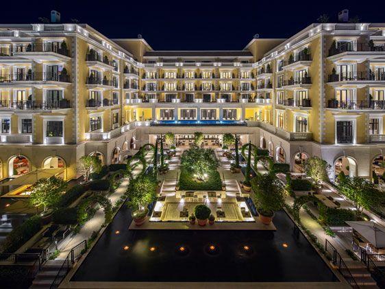 gallery-02-regent-hotel-porto-montenegro-italian-garden_tn_redtalk